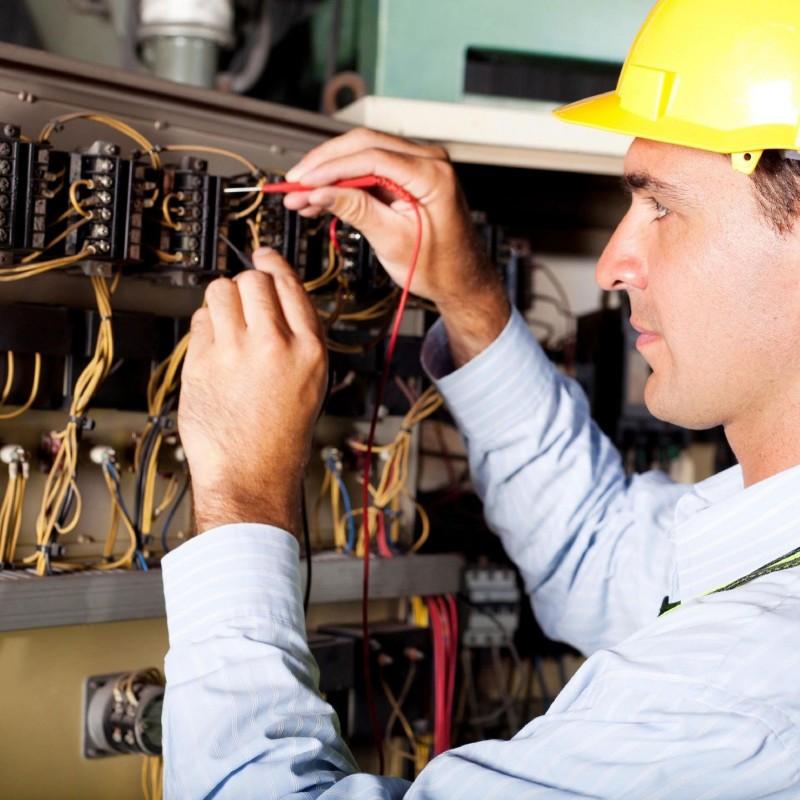 معرفی شغل برقکار و پیچیدگی های کار او