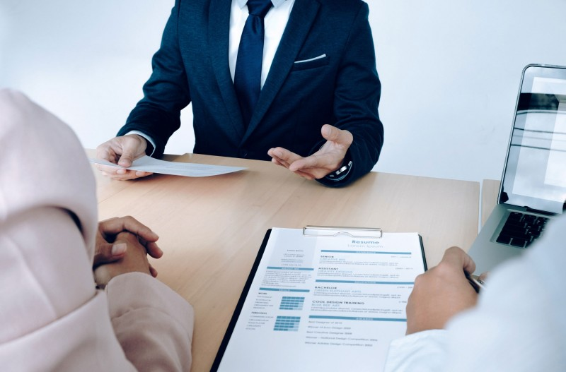 بررسی شغل کارشناس کارگزینی