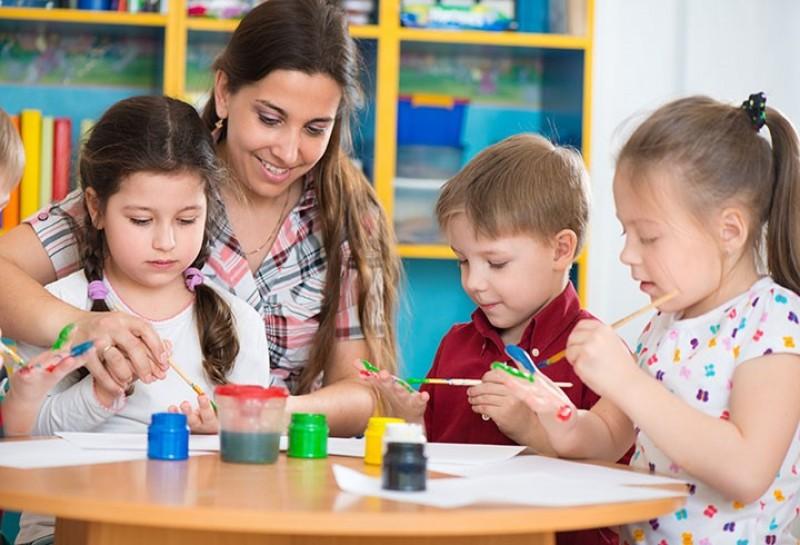 بررسی و تحلیل ویژگی های مربی مهد کودک